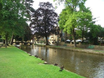 01 Bourton-on-the-Water*.JPG