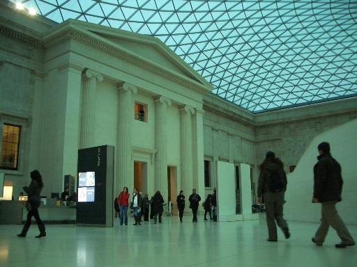 大英博物館の中.JPG